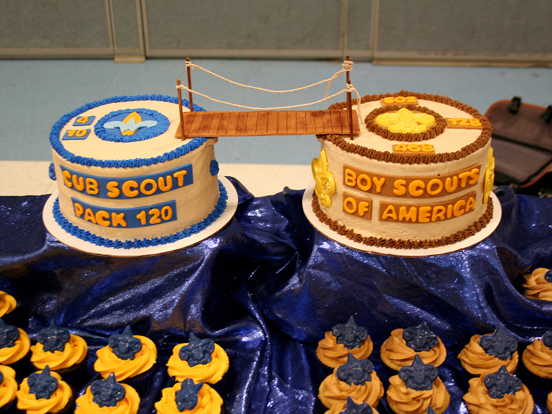 Blue And Gold Banquet Cake Ideas